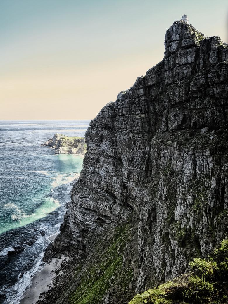 ppt配图 自然风景 海滩 悬崖 攀登                    本作品内容为