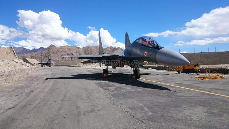 战士 飞机 喷气式飞机